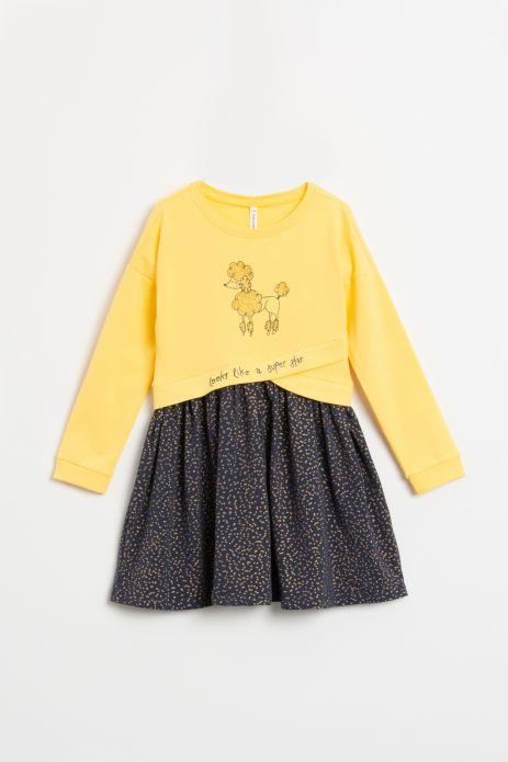 Sukienka z długim rękawem w kolorze żółtym z nadrukiem