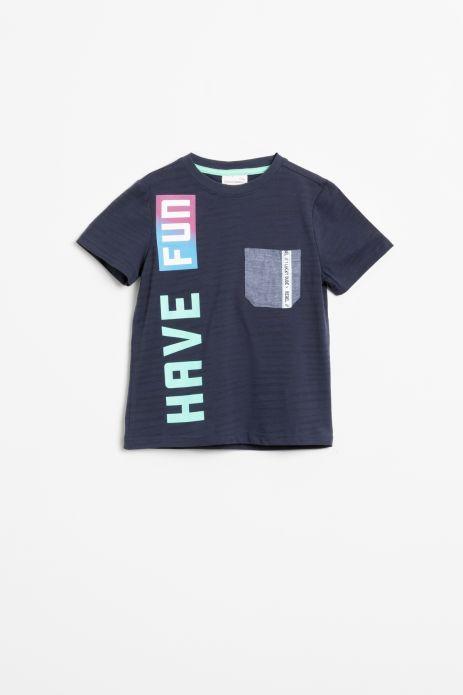 T-shirt z krótkim rękawem w kolorze granatowym z kolorowym napisem i kieszonką